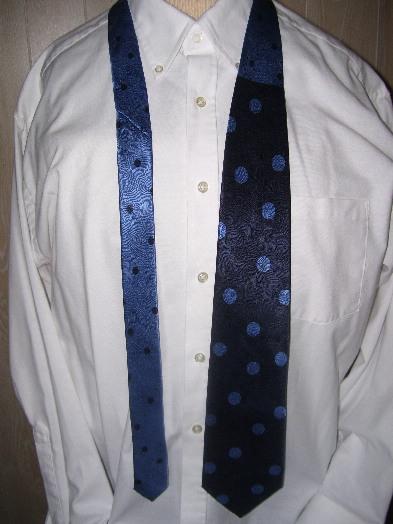 Reverse Dot Tie